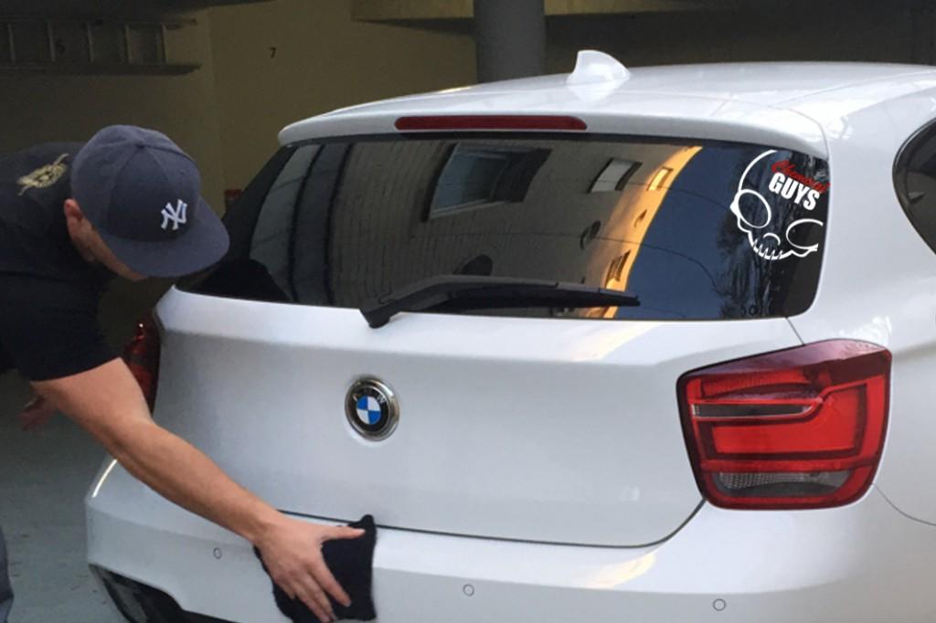 Skull weiß rot BMW
